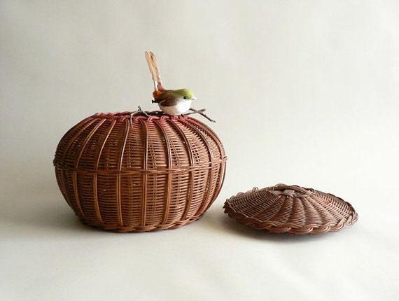 small reed basket with lid. Black Bedroom Furniture Sets. Home Design Ideas