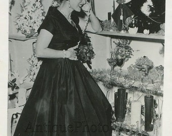Actress Maurine O'Hara on telephone vintage Christmas photo