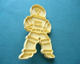 Vintage Spaceman Cookie Cutter from Stanley Home Products. 4.75 inch by 2 5/8 inch
