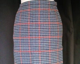 Classy vintage scottish plaid duke edinburgh wool pencil skirt  S 1970