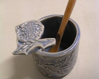 Little dip pot in lavender glaze