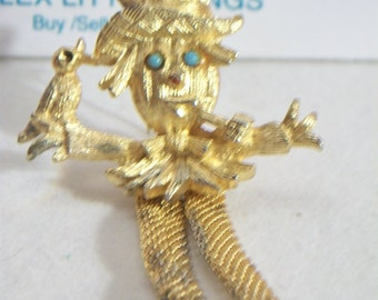 Vintage Scarecrow Pin Gold Tone Harvest Autumn Fall Jewelry