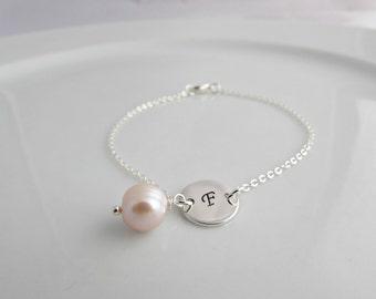 Pearl Bracelet, Pearl Initial Bracelet, Bridesmaid Gift, British Seller UK, Bridesmaid Bracelet, Gifts for Girls, Initial Pearl Bracelet