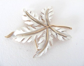 Vintage Leaf Brooch, 1960's Trifari Leaf Brooch, Pin, Gold, White Enamel Leaf Brooch, Pin, 1960's Brooch, Jewelry