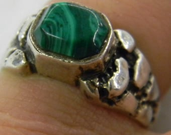 Sterling Silver 925 Alluring Unusual Green Malachite Ring Size 9 #6126