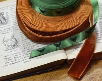 beautiful green satin printed 'hen' ribbon