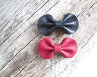 2 Leather Bow Brooches Leather brooches
