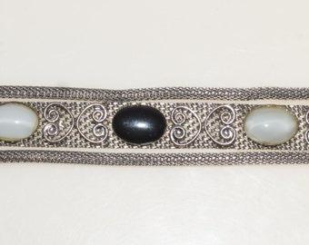 "Black Whtie Glass Cabochone Silver Tone Mest 3/4"" wide  7"" Bracelet"