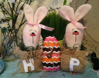 Primitive Easter Bunnies in Burlap Sack with Easter Egg, HOP Decoration