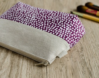 make up bag // purple and white dot cotton &  linen // zipper pouch // cosmetic storage