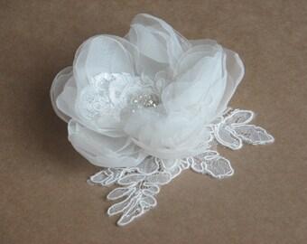 Ivory organza hair flower 3 inch ivory flower Ivory hair lace Bridal ivory flower Ivory oragnza hair clip Lace hair clips Ivory hair lace