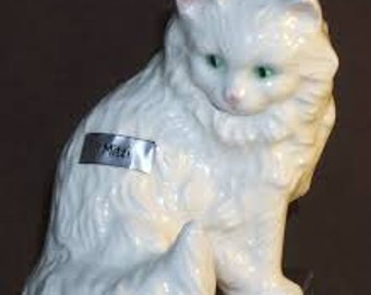 Goebel Mitzi cat
