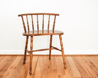 antique wood chair, antique Windsor, spindle back chair, rare small antique American Windsor Barrel Back Chair, antique seating