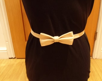 Free Shipping. Women Ladies Fashionable Beige Slim Leather Bow Belt. Skinny Leather Belt Casual Formal Ideal Gift