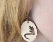 Lizard Wood earrings-Dangle earrings-Gift for teen girl-Oval earring-tropical-Gecko jewelry-Forest-Nature lover gift-Mom gift-Spring gift