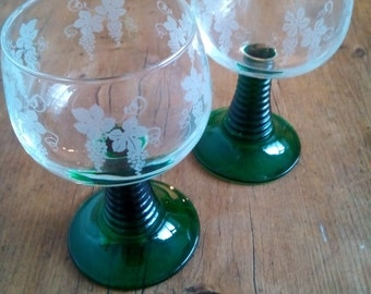 2x Vintage french wine glasses