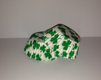 50 count - Grease Resistant Shamrock/Clover standard size cupcake liners/baking cups