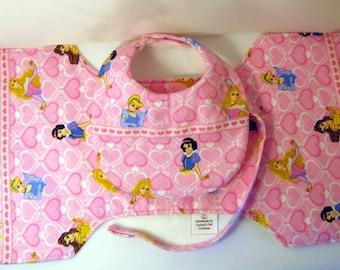 "Bib & Burp Cloth Set - ""Disney Princesses"""