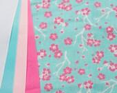 Dogwood Blossoms - Plum Creek Knitting Project Bag - Choice of Size (1054)
