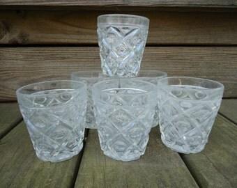 Diamond Thumbprint Tumbler Glasses