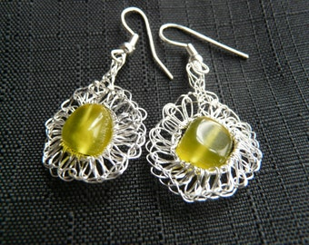 Crocheted nontarnishable silver plated copper earrings with olivine crystals /// crochet metal earrings ///