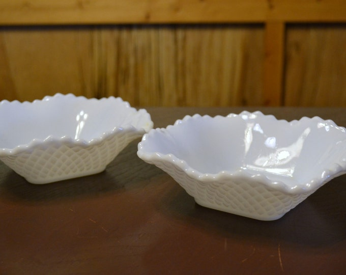 Vintage Milk Glass Candy Dish Bowl Set of 2 Diamond Pattern Wedding Holiday Decor PanchosPorch