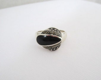 Vintage Sterling Silver Inlay Black Oynx & Marcasite Ring Size 9