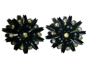 SALE 50s Vintage Black Starburst Earrings Atomic Floral Rhinestone Flower Clip On Goth Mourning Jewelry Gothic Steampunk Halloween Earrings