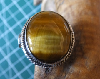 Tigers Eye and Sterling Silver Ring..............Size 8