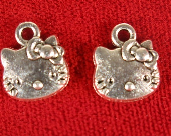 """BULK! 30pc """"cat"""" charms in antique silver style (BC287B)"""
