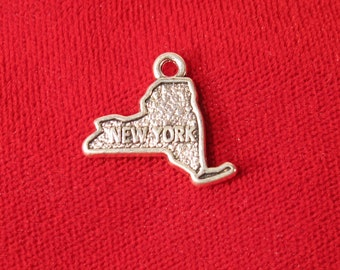 "BULK! 30pc ""New York"" charms in antique silver style (BC649B)"