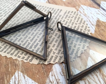 Bronze Double Sided Triangle Glass Frame Hinged Pendant Living Locket Charm Frame Antique Bronze Vintage style Jewelry Supplies