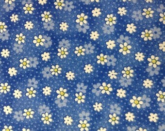 One Half Yard of Fabric - Small Spaced Daisy