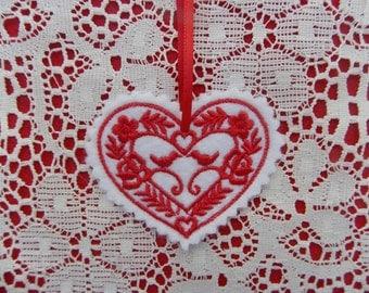 Christmas~Valentine ~ Wreath ~ Decoration Ornament Heart White Felt Machine Embroidered