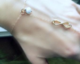 14k Gold Slave Bracelet Hand Chain Ring Infinity Ring Bracelet Infinity Chain Bracelet Aqua Pearl Finger Bracelet Bracelet Ring Chain Boho