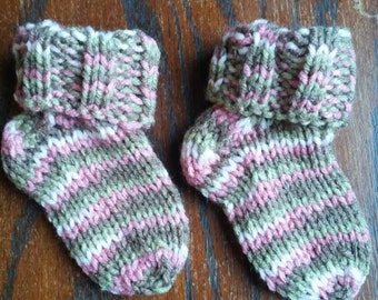 Baby socks/booties, handcrafted knit socks, 3-9 months, custom colors available