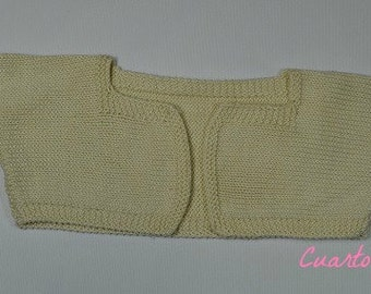 Pattern for jacket cualla square and ruffles on the sleeves for two-year-old girl-