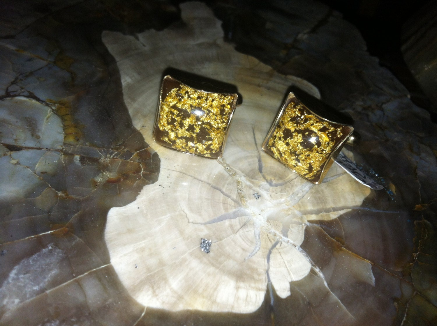 how to tell if cufflinks are real gold