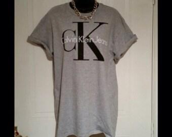 Brand new on trend Calvin klein t/shirt  top unisex mens medium womens 6/8/10/12/14 beachwear festival