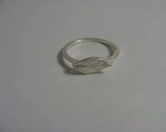Vintage Sterling Leaf Ring