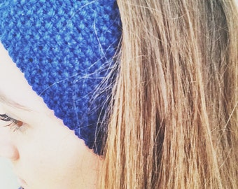 Blue seed stitch knitted headband