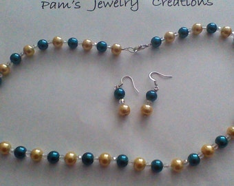 Beautiful Necklace & Earrings Set with Colored Pearls