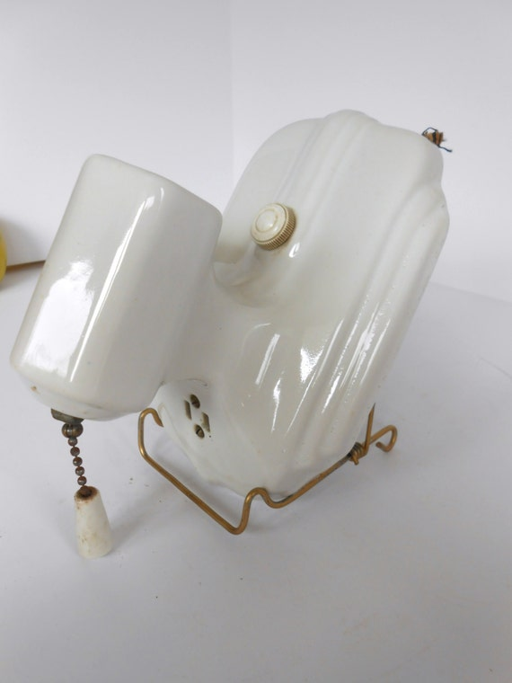 Efcolite porcelain art deco light fixture vintage bathroom - Art deco bathroom lighting fixtures ...