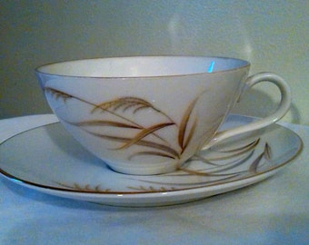 Vintage Yamato of Japan Tea cup and saucer 1 of 2 I am offering.