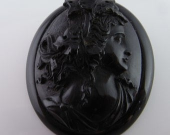 Whitby Jet Brooch Whitby Jet Pin Victorian Brooch Black Cameo Victorian Jewelry 19th Century Mourning Jewelry Mourning Brooch Silhouette