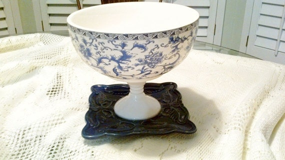 Bowl pedestal centerpiece candy dish serving shabby chic
