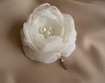 Ivory White Hair Flower - Wedding Hair Accessories - Flower Girl Hair Piece - Bridal Fascinator - Pearl Hairpiece - Ivory Flower