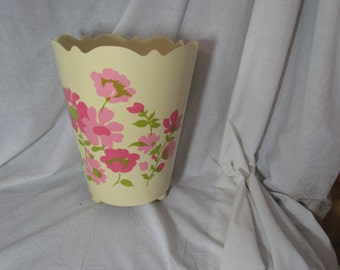 Vintage Pink Trash Can Waste Basket Rose Roses Retro Shabby Chic Footed