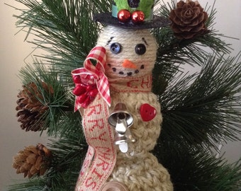 Snowmen ornaments made of burlap ( set of 2 ) Classic and beautifully decor with amazing details - handmade snowmen ornaments