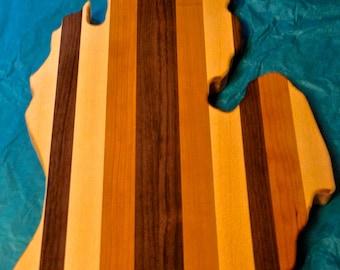 Michigan Lower Peninsula Shaped Cutting Board